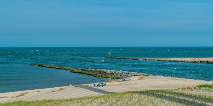 the shore of delaware beach state park in delaware