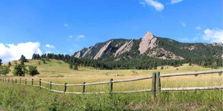 Colorado's flatiron mountains outside boulder