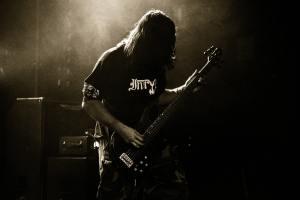 Le bassiste, le compagnon de groove du batteur ©Crédits Photo : 6554