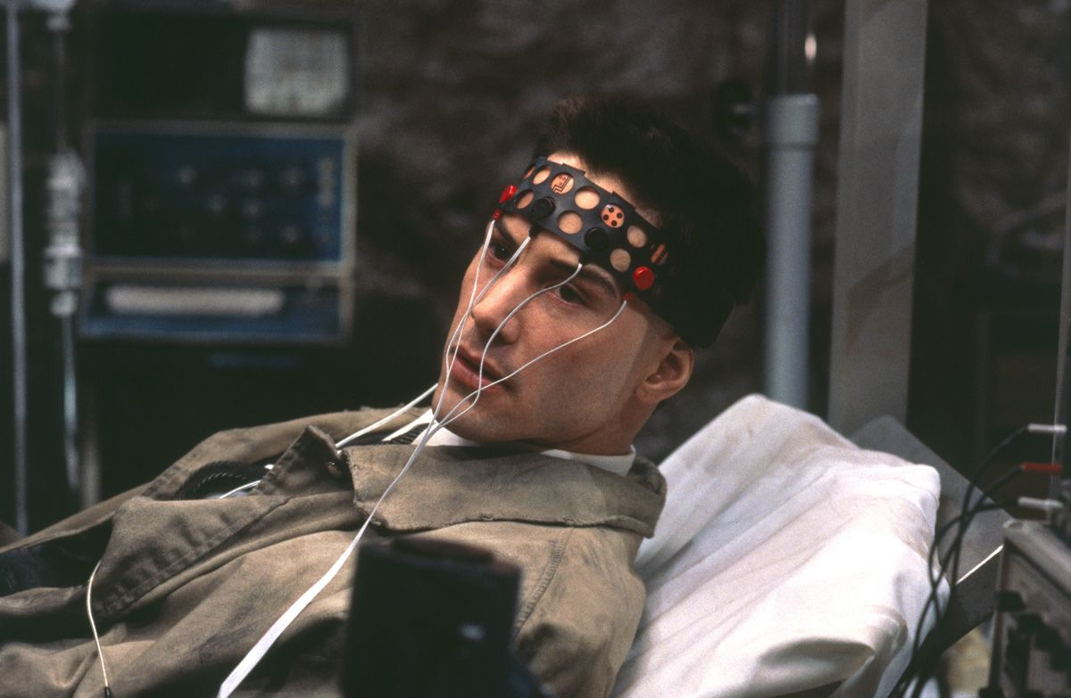 johnny Mnemonic verkabelt Keanu Reeves