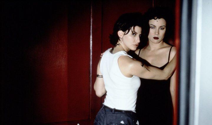 Bound – Gefesselt (1996): Filmkritik & Review des Mediabooks