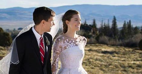 Allison Williams marries in oscar De La Renta