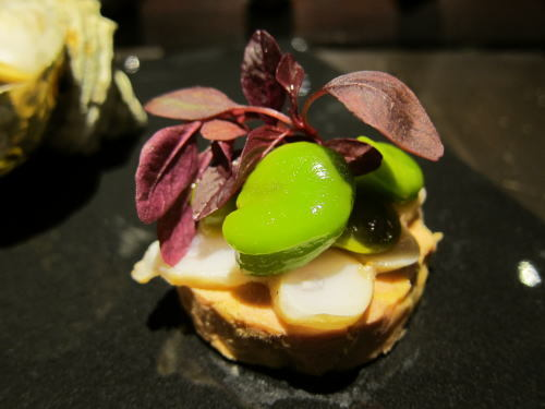 ファワグラのテリーヌとそら豆、蛸