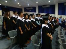 平和大卒業式3