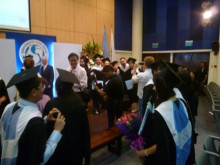平和大卒業式2
