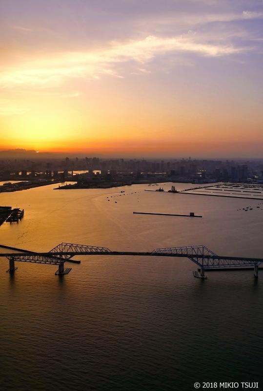 0613 日没直前の東京ゲートブリッジ (東京湾 東京都)