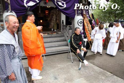 月崎神社にて