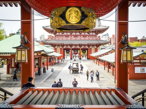 senso-ji-temple-tokyo-GettyImages-465360690.jpg