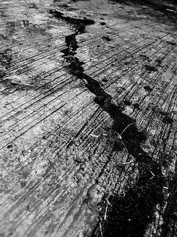 cracks-2845175__340.jpg