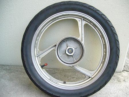 タイヤ 3