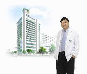 ヤンヒー病院院長のドクタースポット