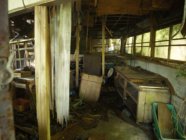 разрушенная кухня