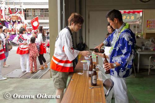 姥神大神宮渡御祭 2012 下町巡幸 振る舞い風景