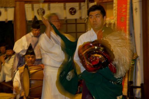 湯倉神社 十二の手獅子舞