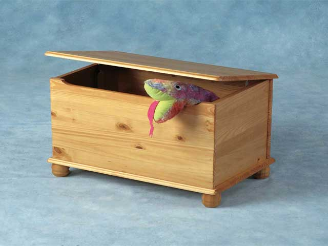 how to make a toy chest from wood