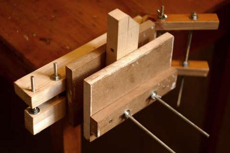 build wooden vise plans