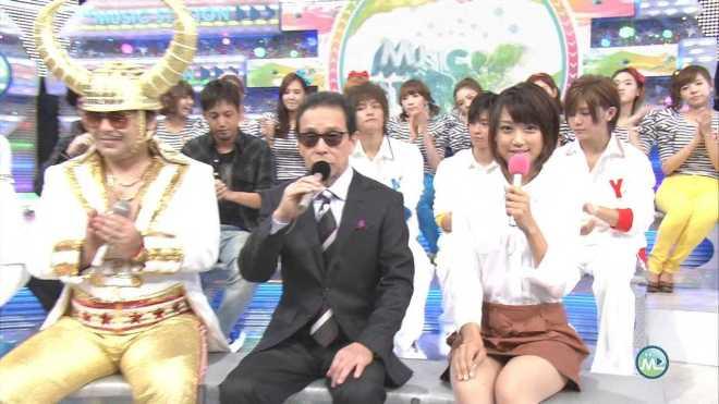ミュージックステーションでミニスカートを履いてパンチラする竹内由恵アナ