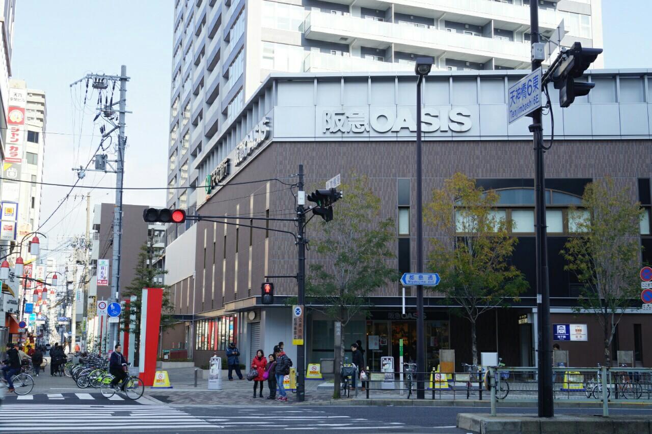 建て替え前の天六阪急ビルの面影を殘した低層部分です ...