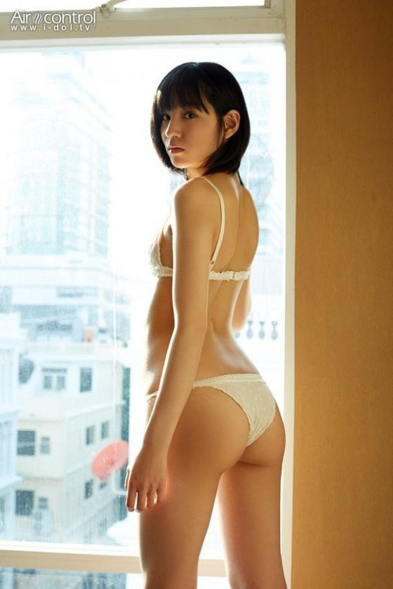 保田真愛 大切な君への美尻食い込みキャプ 画像25枚 1