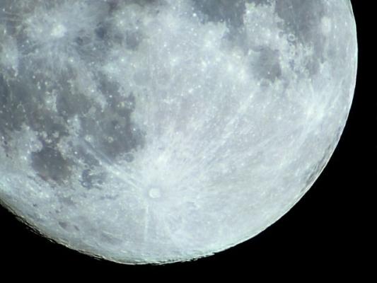moon77827878.jpg