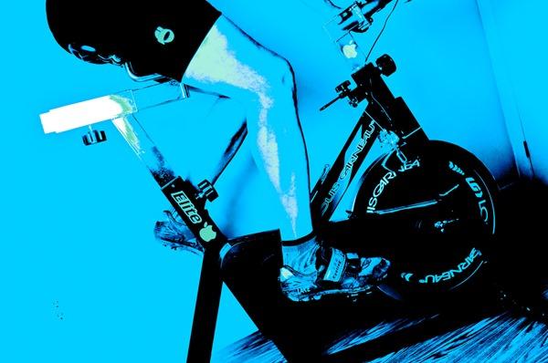 5 séance pour travailler la vélocité sur home trainer