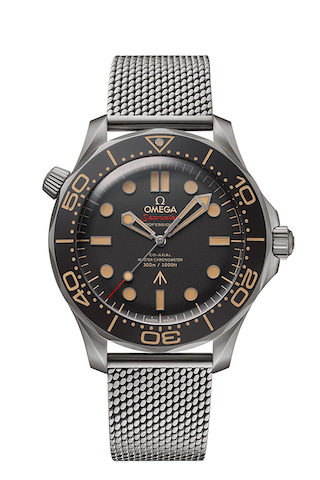2020_OMEGA_Seamaster Diver 300M 007 Edition_210.90.42.20.01.001_worn in NO TIME TO DIE_front1_red