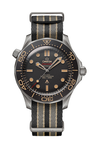 2020_OMEGA_Seamaster Diver 300M 007 Edition_210.92.42.20.01.001_worn in NO TIME TO DIE_front1_red