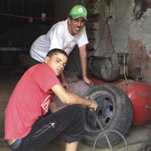 Von Marrakesch nach Ouazazarte: Reifenpanne in Taddert