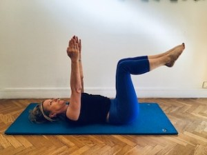 4- Double leg stretch : Variante 2