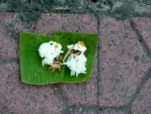 Offrande dans la rue à Ubud.