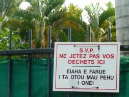 Panneau à Papeete.
