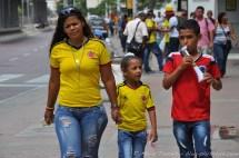 Toute la famille au soutien de la Colombie.