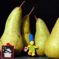 Marge Simpsons ramasse des poires (fruits de mars)