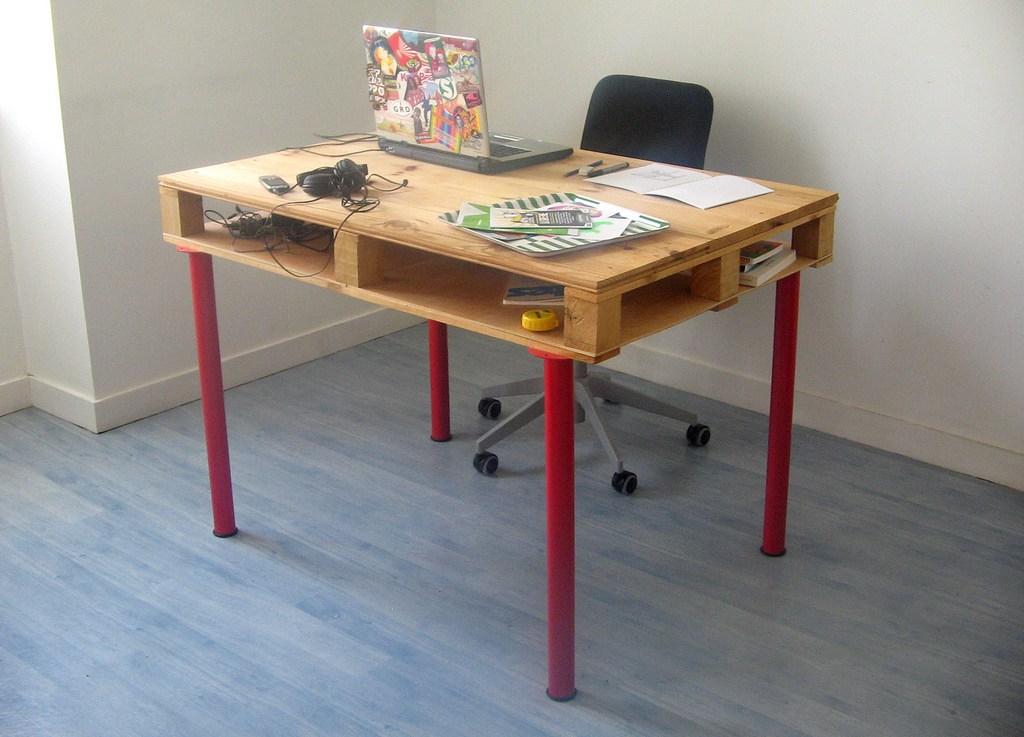 Nos conseils pour fabriquer un bureau en palettes