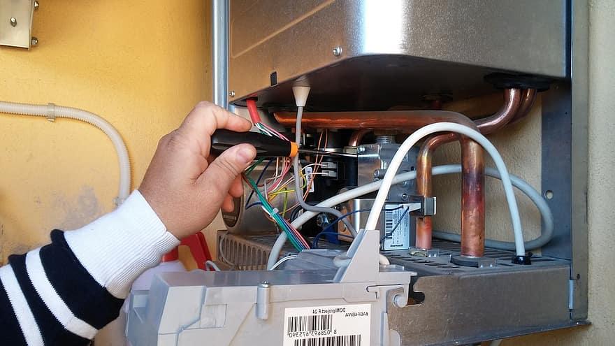 Comment procéder à l'entretien d'une chaudière à gaz ?