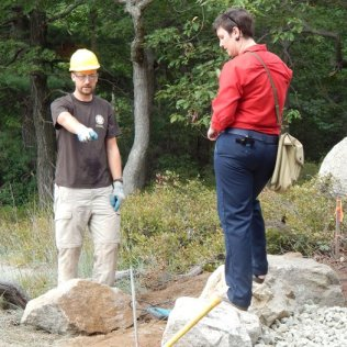 Volunteer Joe Knight with Trail Builder/Educator Ama Koenigshof.