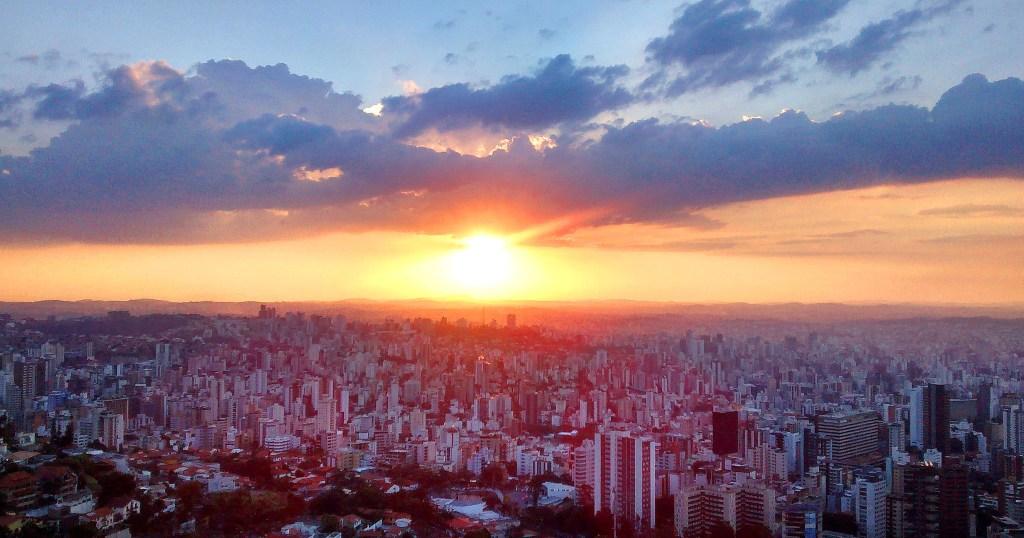O belo horizonte: a capital mineira vista das margens da Serra do Curral, no Mirante do Mangabeiras