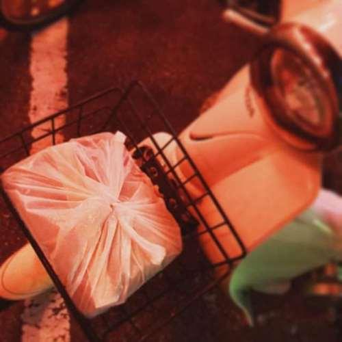 前カゴには弁当が似合うね(笑) #お弁当 #おべんとう #弁当 #べんとう #前カゴ #前かご #カブ #スーパーカブ #ホンダ #cub #supercub #honda #バイク #motorcycle