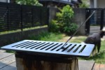 卓上のミニ七輪用の焼き網を6mmグリル鉄板に新調しました^^!