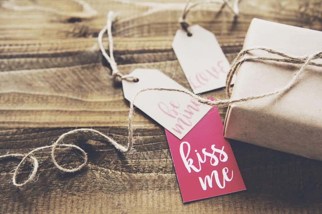 50 Creative Valentine S Day Gifts For Him 2020 Edition 365canvas Blog