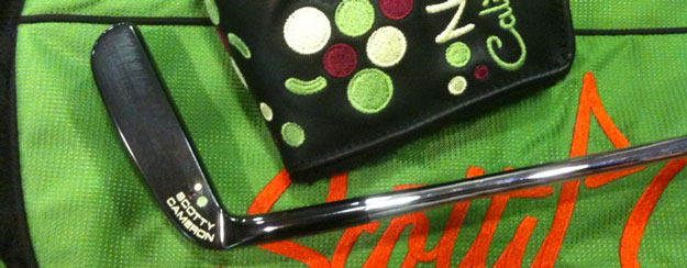 scotty-cameron-putter-and-bag