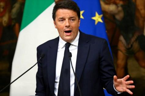 イタリアのレンツィ首相。12月4日の国民投票で憲法改正案の是非を問う。同氏は「否決なら辞任する」と公言してきた。結果次第では選挙や政権交代につながる可能性もある=ロイター