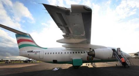 12月1日、コロンビア中部メデジン近郊で今週、ブラジルのプロサッカー選手らが乗ったチャーター機が墜落した事故を受けて、ボリビアの航空当局は、同機を運航していたラミア・ボリビア航空の運航免許を停止した。写真は同航空の所有機。提供写真(2016年 ロイター)