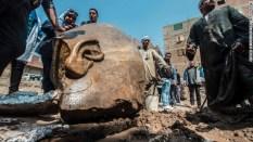 エジプト・カイロで巨大な像が見つかった