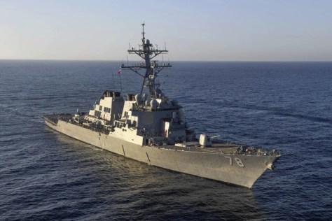 米海軍が公表した地中海を航行するミサイル駆逐艦の写真(3月9日)=AP