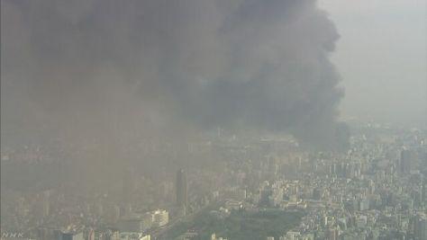 東京・江東区の解体中の倉庫から出火 1人大けが