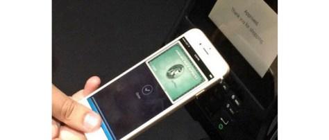指紋認証と非接触型ICチップを同時に使う多重認証で安全性を高めたアップルの決済サービス