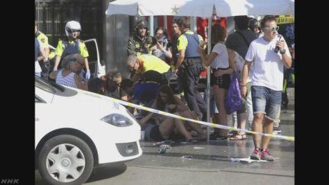 バルセロナでテロ 110人以上が死傷 男2人拘束