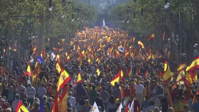 スペイン カタルーニャ州 独立反対派が大規模デモ | NHKニュース