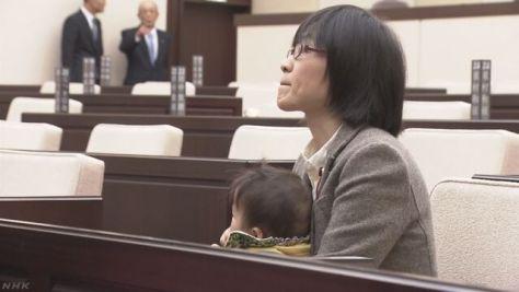 女性議員が議会に子連れ出席求め 開会遅れる 熊本市議会